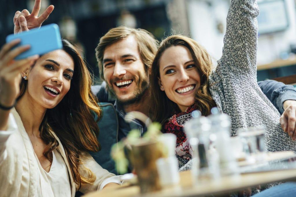 Making New Friends When Moving - RentSeeker.ca